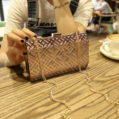 The New Fashion Wild Clutch Personality Mini Chain Bag Shoulder Diagonal Package pink one size