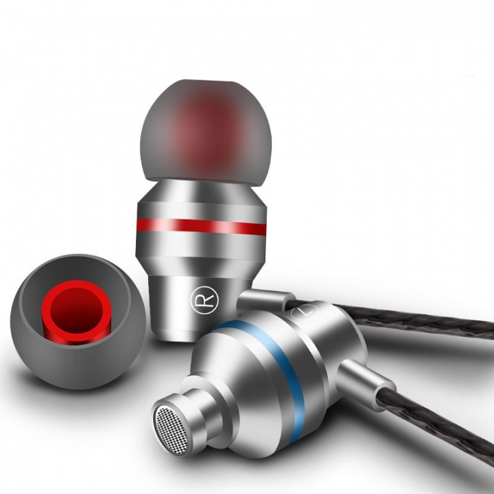 In-ear Headphones Headset 3.5mm  build-in microphone sports earphone for iphone andriod phone siliver