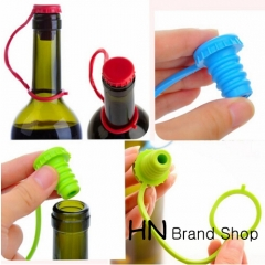HN Brand-Kitchen Anti-lost Silicone Hanging Seasoning Beer Wine Cork Plug Bottle Cap Cover Perfect green or blue or red