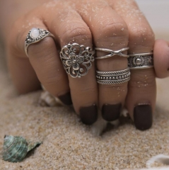 HN-5 piece/Set New Fashion Individual love Alloy Crystal Wedding Ring Women Men Jewellery Gift silver as picture