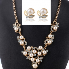 HN-3 piece/Set New Butterfly Pearl crystal Necklace pendant stud earring Women Jewellery Gift gold as picture
