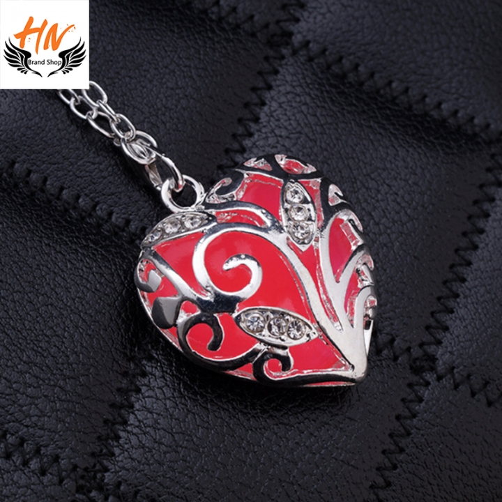 HN Brand-1 Piece/Set New Glowing heart pierced Luminous Alloy Necklaces Pendant Women Jewellery Gift red