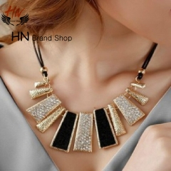 HN Brand 1Pcs/Set New Beautiful Geometric Leather Necklace Exaggerated Pendant for Christmas Women black one size