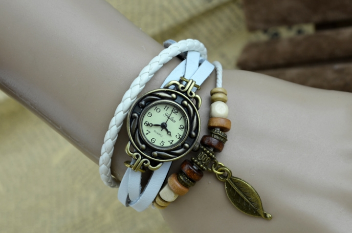 handwoven vintage watch hand-knitted vintage women's bracelet watch white