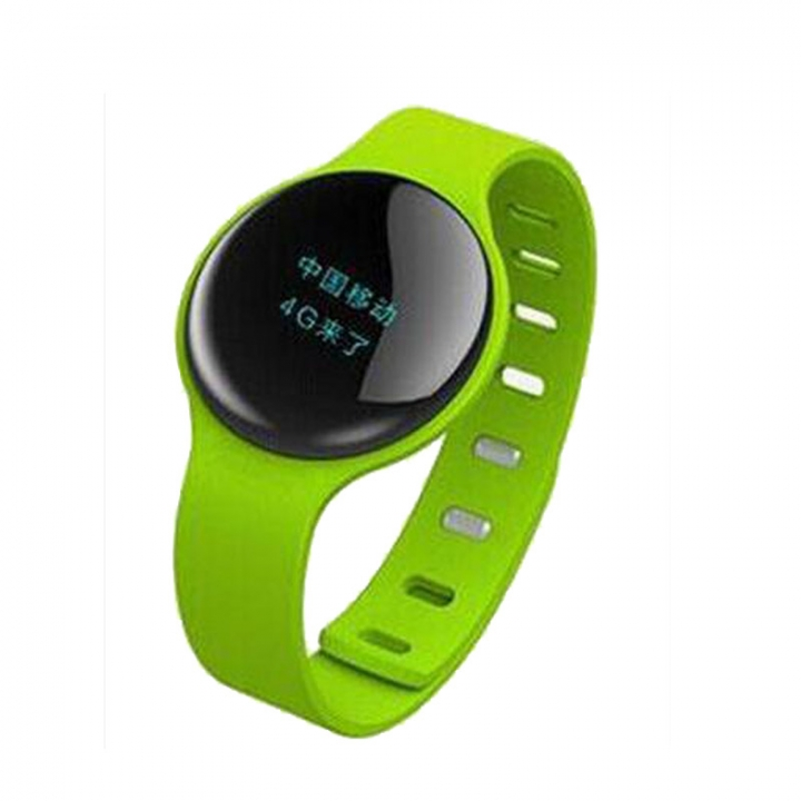 Smartwatch  Sport Pedometer  with Touch Screen Camera  Version Bluetooth for Android IOS Phone green one size