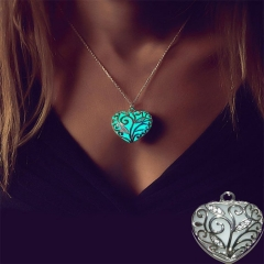 Night Heart Type Hollow Out Light Necklace Pendant green one size