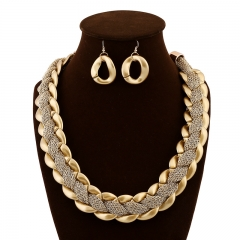 Luxury Gold Acrylic Cotton Mesh Winding and Exaggerating Necklace Fashion Accessories golden onesize