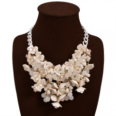 Fashion Necklace Colorful Small Floral Embellishments Of Female Accessories white one size