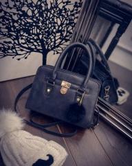 The new fashion satchel handbag Retro frosted shell shoulder bag black one-size