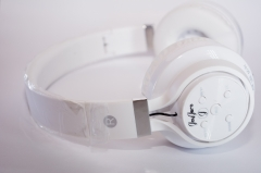 JayJero B-07 Bluetooth headphones with fm radio and tf card. bass headset clear cute loud stereo white