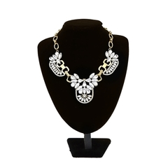 Fashion Clear Crystal Cluster Bubble Necklace Petal Rhinestone Flower Collar Jewelry Drop Pendant white 18K