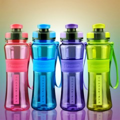550ml Plastic Shaker Bottles Portable Sports For Hiking Bicycle Cycling Camping Gym Running green