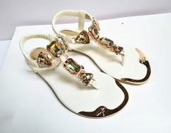 Women sandal 2018 Designer beach summer flip flops PU Leather rubber shoes fashion Rhinestone sand White771 5