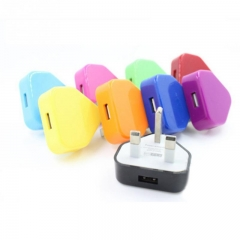 2Pcs Random Color  UK Plug Mains Wall 3 Pin USB Power Adaptor Charger For Mobile Cell Phone Random color as picture