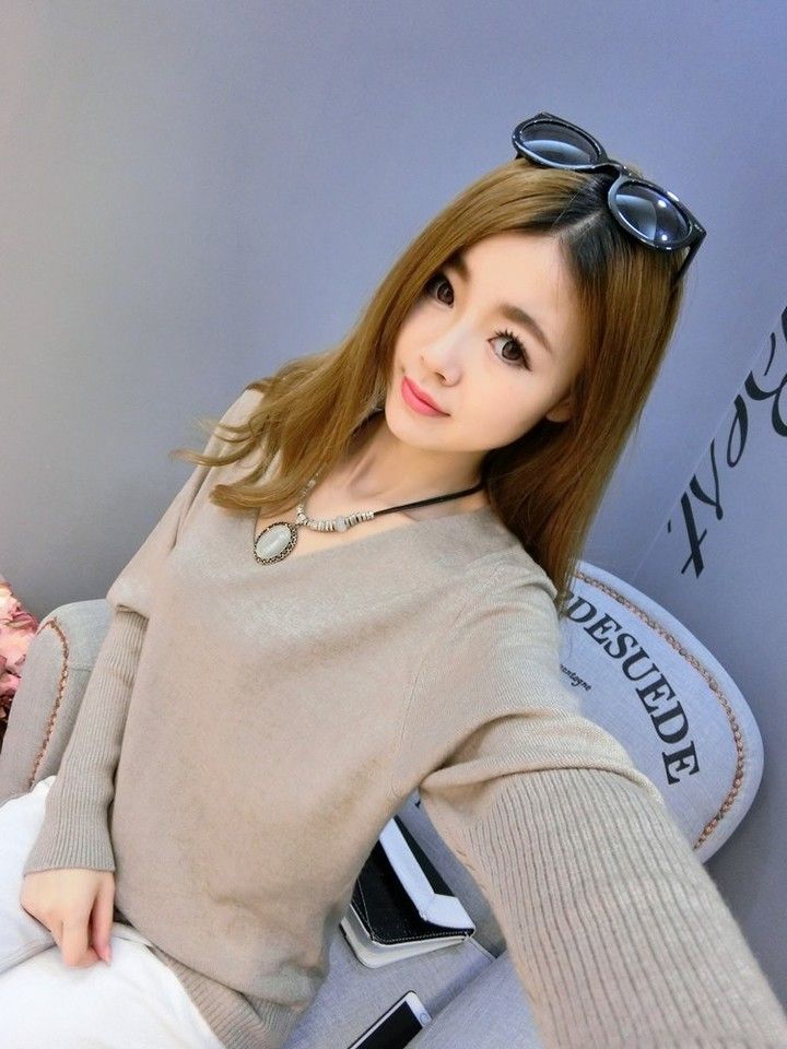 2018 Female Autumn Winter V Neck Cashmere Sweater Lady Loose Fashion Casual Top  Womens Pullover K 9d9e48ed5