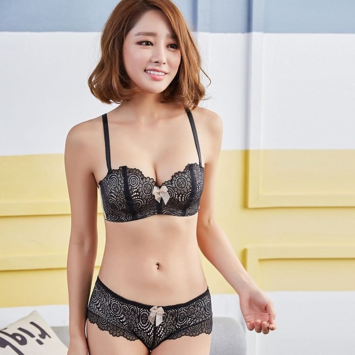 81828c599 Black Lace womens Push Up Bras Romantic Adjusted-straps Wire Free Half Cup  Young Girl