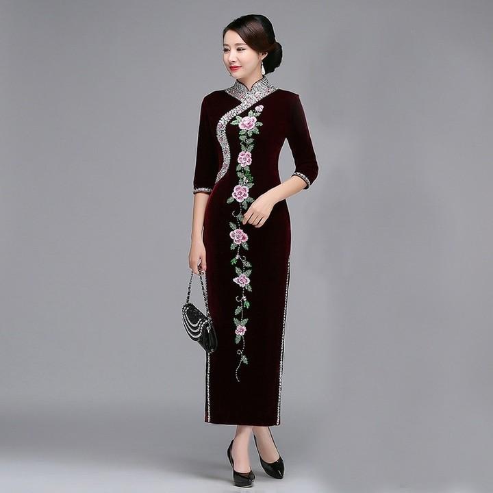 3a3636e72b8 Mandarin Collar Chinese Dress Elegant Women Velvet Cheongsam Flower Sexy  Split Long Qipao Oversiz