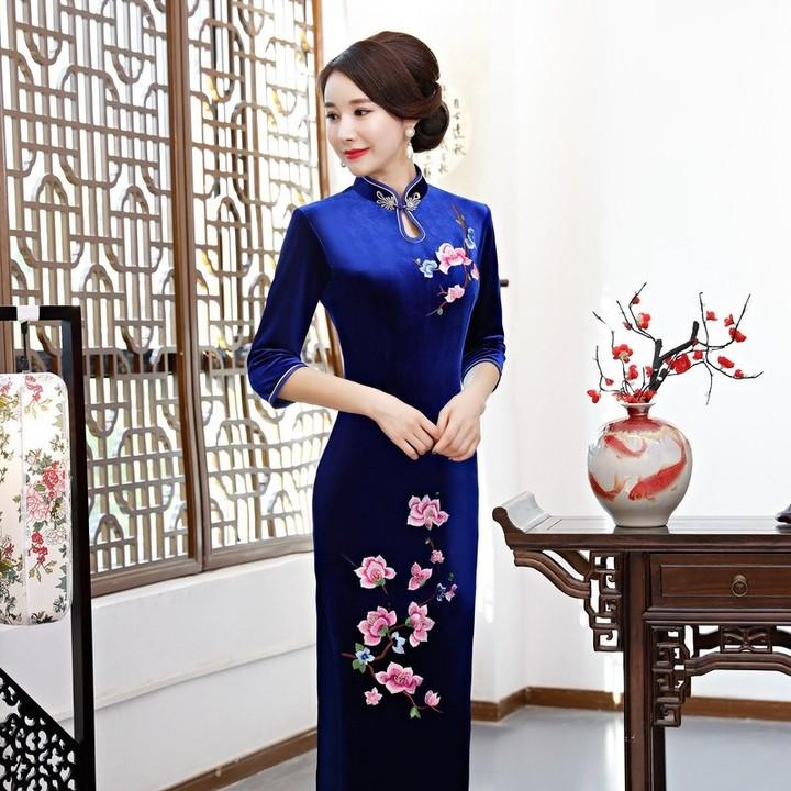 853f72457 Arrival 2018 Half Sleeve Floral Embroidery Qipao Long Velvet Cheongsam  Dress Womens Chinese Tradi