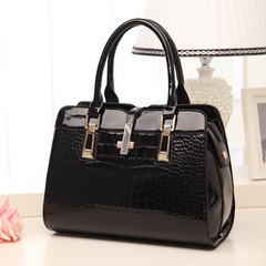 Designer Women's Genuine Leather Handbags Vintage Tassel Female Shoulder bag Ladies Crossbody Bags black 31cm*23cm*12cm