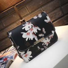 2018 Women Floral leather Shoulder Bag Handbag Retro Female Small Messenger Bag black one size