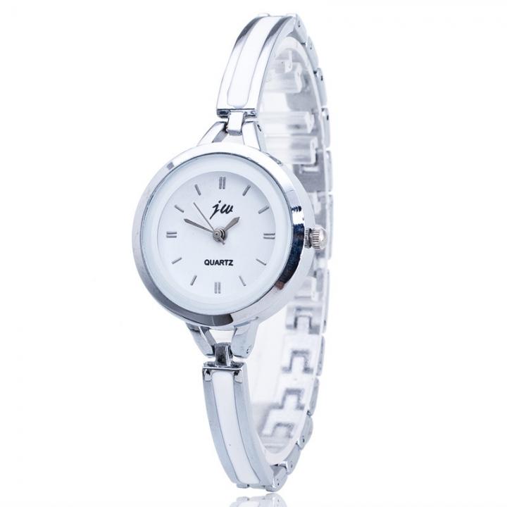 Ladies Fashion Elegance Bracelet Dress Wristwatches Student Classic Casual Quartz Watches silver