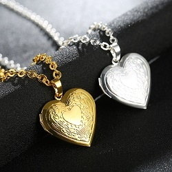 Women Love Hearts Heart-shaped Photo Frame Clavicle Chain Carve Silver Plated Pendants Necklace
