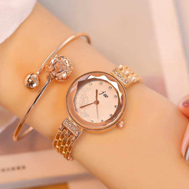 Women Fashion Rhinestone Wristwatches Ladies Classic Elegant Quartz Watch Diamonds Chain Bracelet white