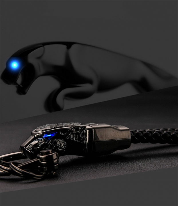 Jaguar Totem Car Keychain Boutique Zinc Alloy Metal Keychain Rotary Car key ring black m