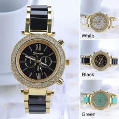 Men's and women's quartz watches