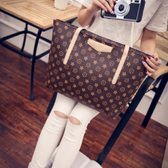 The 2018 New Women Pu large capacity Fashion print handbags shoulder Ladies cool bags red all size