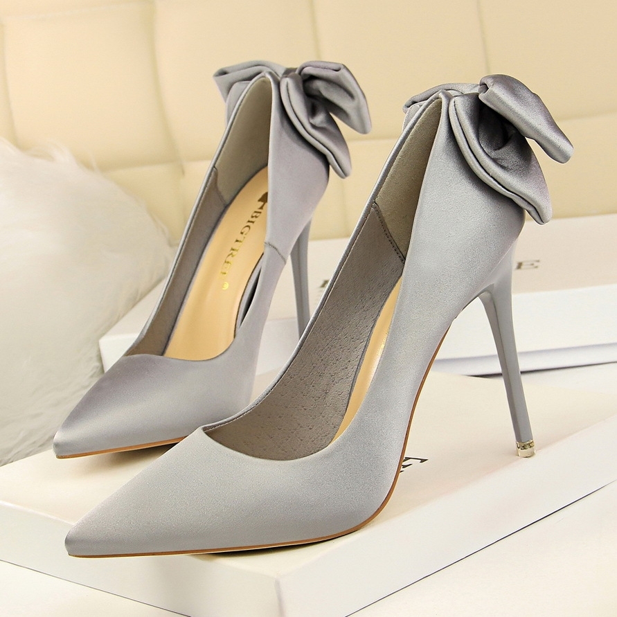 59639300d554 SOHI 1 Pairs Silk Stain Bowknot Pumps Heels Shoes Pointed Toe Weeding Women  Shoes silver gray 38  Product No  1356169. Item specifics  Seller SKU SOHI-00175  ...