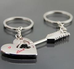 Love wedding gifts, arrow piercing lovers, zinc alloy key buckle