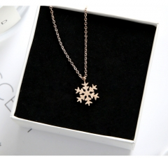 New Arrival  Elegant Snowflake Pendant Necklace 316L Titanium Steel Women's Jewelry Never Fade gold one size