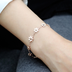 Fashion Brand  Bracelet Daisy Flower Amulets 316L Stainless Steel Woman Chain Prevent Discoloration as picture one size