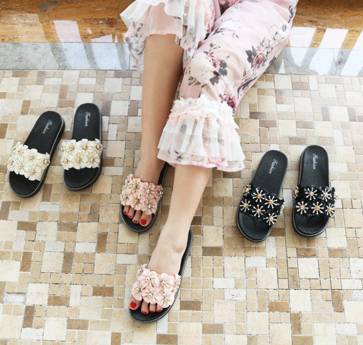 b2d4ac911a92 2018 new summer Designer crystal Shoes flat women cool slippers H Shape Rhinestone  Wear outside pink