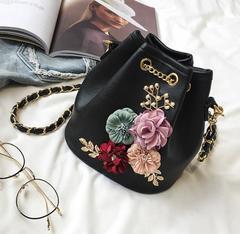 Low-price crazy purchase, time limit of 3 days! Fashion One-shoulder oblique Flower handbag black free one