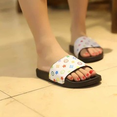 ISABLE Brand-INS Hot Selling New Women's Slippers LOUIS VUITTON (LV) Fashionable and Comfortable white 35