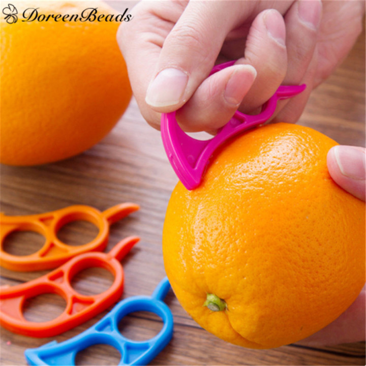 Plastic Orange Peeler Lemon Grapefruit Fruit Slicer Opener Kitchen Gadget Random 1PC random random 7.5*2.5cm
