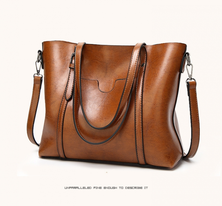 51d3e899fde MOON High Quality Women Oil wax Leather Handbag Luxury Lady Messenger Bag  Big Tote
