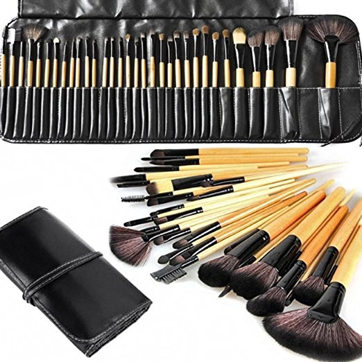 ... or creams to produce a beautiful face and eye makeup application. The set includes eye shadow brush, foundation brush, powder brush, blusher brush, ...