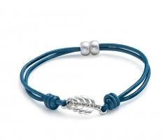 Blue leafy charm leather bracelet blue 19cm L