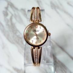 Fashion Wrist Watch Women Ladies Classic Exquisite Wristwatches Luxury Golden Design gold