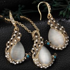 3pcs/set Noble Jewelry Jewellery Peacock design Opal Rhinestone crystal necklace/earrings Women gold as picture 3 pcs set