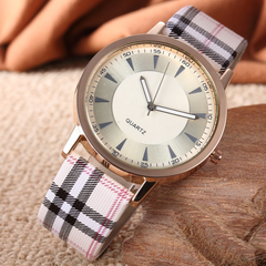 Fashion Wrist Watch Women Ladies Wristwatches Western Style Simple Retro Watches white as picture one size