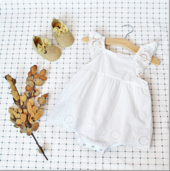 Newborn Baby Girls Fly sleeve Lace Hollow out Princesses Flowers Rompers Jumpsuits Bodysuit white GH137A 70