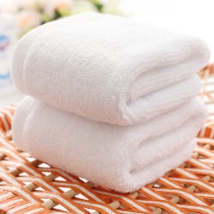 4pcs  High Quality Baby Towel 100%cotton / 28cmX28cm / white One size