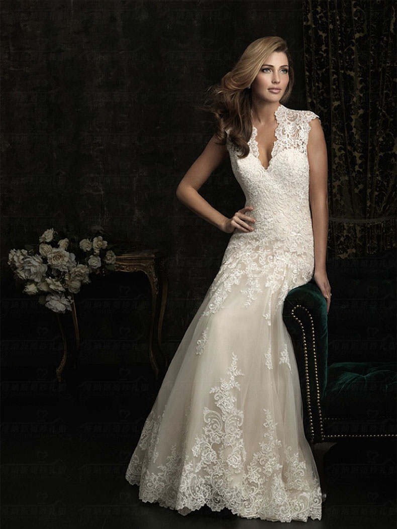 2018 new white lace deep v-neck fishtail wedding dress m white ... e4279f53869b