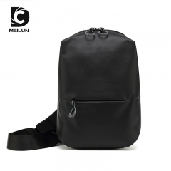 Leisure shoulder outdoor sports crossbody bag black 31*20*9