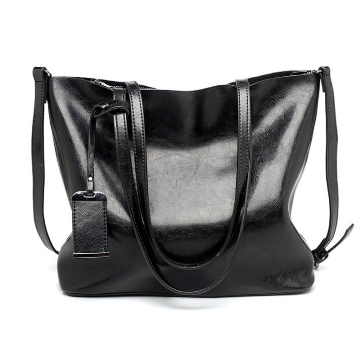 new European and American fashion tote bag, Retro Leather, large capacity single shoulder handbag. Black one