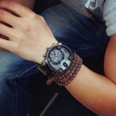 Old fashions, fashion trends, men's and women's students, large dial watches, quartz watches black one